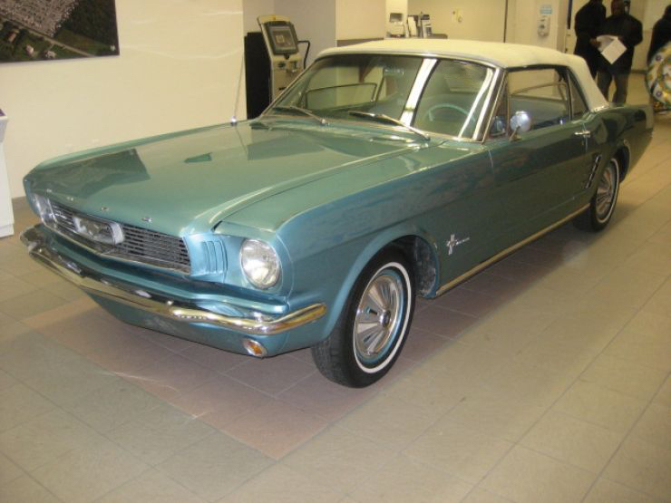 1966 FORD MUSTANG – A Classic American Muscle Car Donation